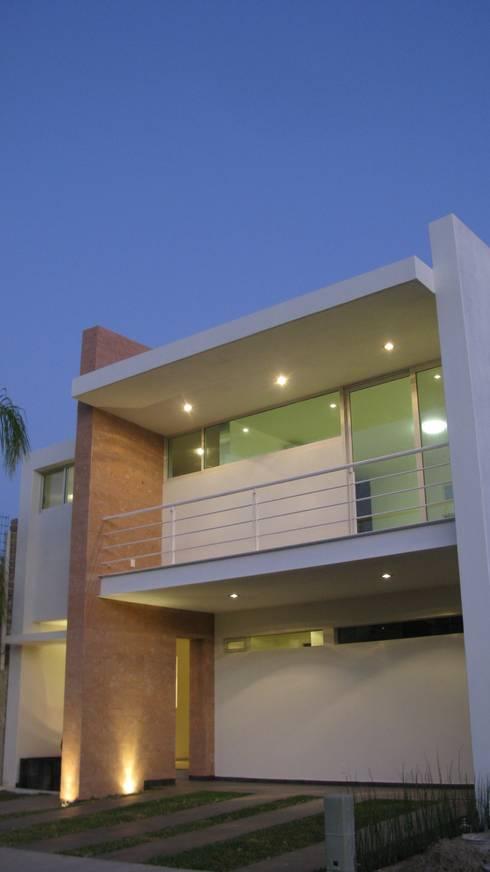 Casa ST: Casas de estilo minimalista por Bojorquez Arquitectos SA de CV