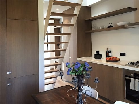 Dining area: modern Dining room by Deirdre Renniers Interior Design