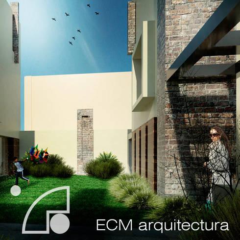 Fachada posterior: Casas de estilo moderno por ECM arquitectura