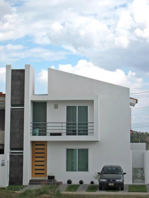 Fachada Frontal: Casas de estilo  por Bojorquez Arquitectos SA de CV