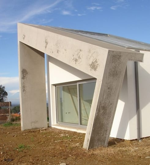 Pala sala musica: Casas minimalistas por Arquitecto Aguiar
