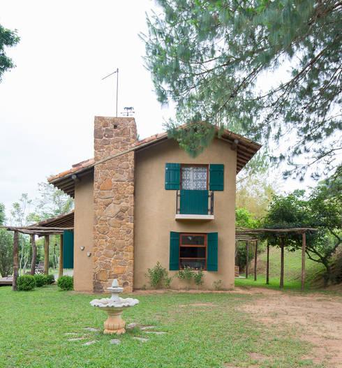 บ้านและที่อยู่อาศัย by Valquiria Leite Arquitetura e Urbanismo
