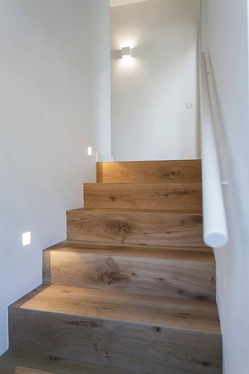 Corridor & hallway by dom arquitectura
