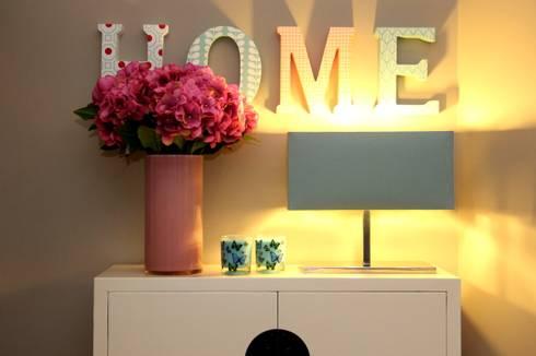 Cheerful house:   por ROSA PURA HOME STORE