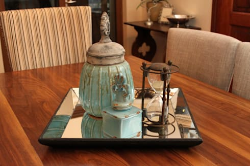 Accessories: classic Dining room by Inside Out Interiors