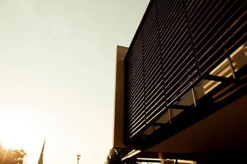 Casa CSG: Casas de estilo moderno por IX2 arquitectura