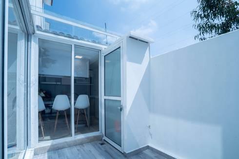 COCINA EN CDMX II: Terrazas de estilo  por HO arquitectura de interiores