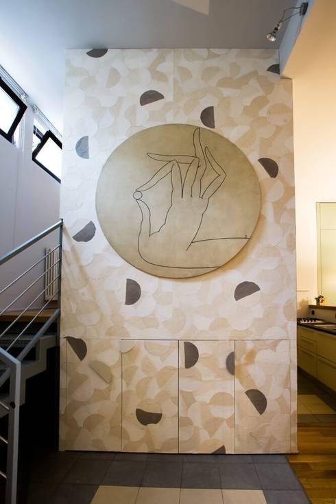 Pannello decorativo : Ingresso & Corridoio in stile  di Dima snc di Maiocchi Dario e c.