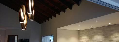 Salas de estilo rústico por Arquiteto Lucas Lincoln