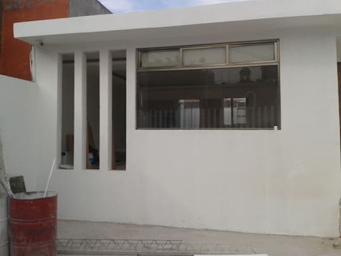 Verificentro :  de estilo  por Grupo Puente Arquitectos.com