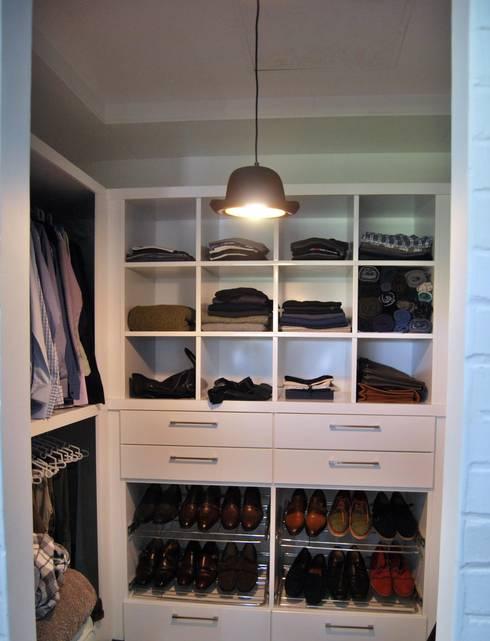 Project : Jason Black: modern Dressing room by Capital Kitchens cc