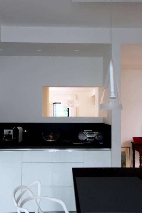 Cocinas de estilo moderno por SuMisura