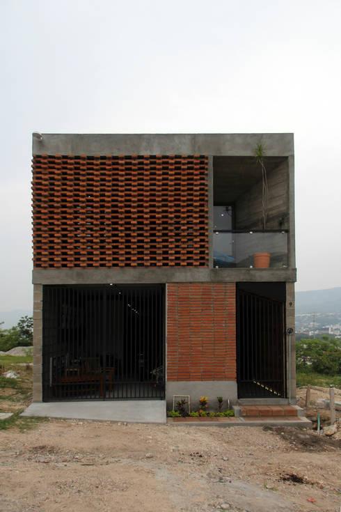 Casas de estilo  por Apaloosa Estudio de Arquitectura y Diseño