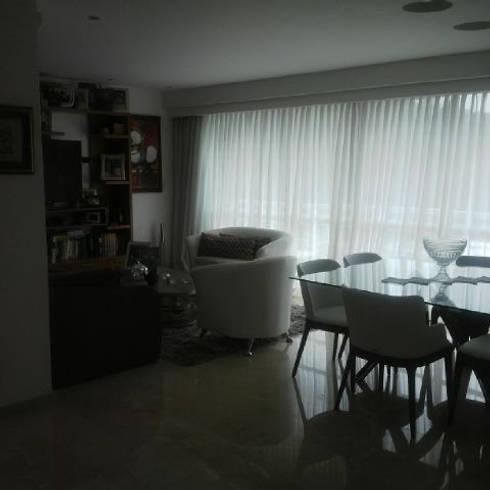 Proyecto La Lagunita.: Comedores de estilo moderno por THE muebles
