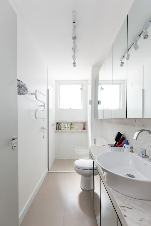 scandinavian Bathroom by Kali Arquitetura