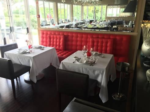 Dining Area - Re-Upholstering: Espaços de restauração  por Pure Allure Interior