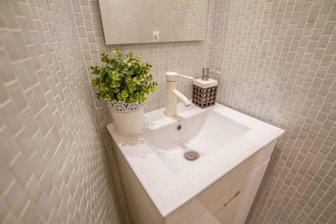 Casa dos Mercantéis: Casas de banho modernas por GRAU.ZERO Arquitectura