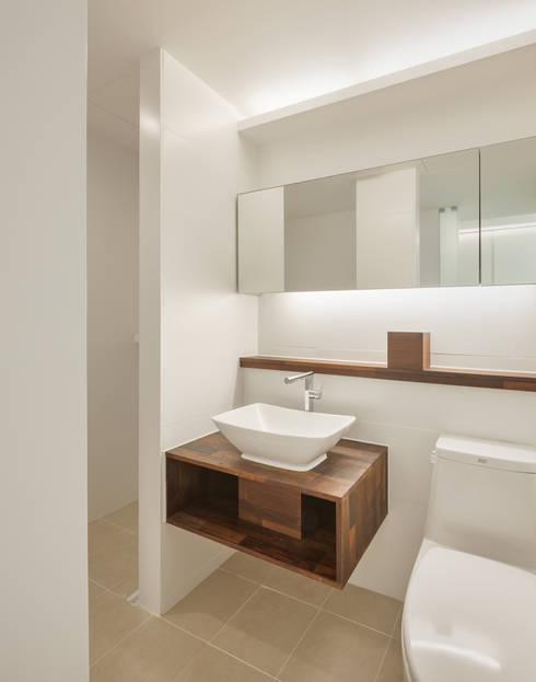 Phòng tắm by 서가 건축사사무소