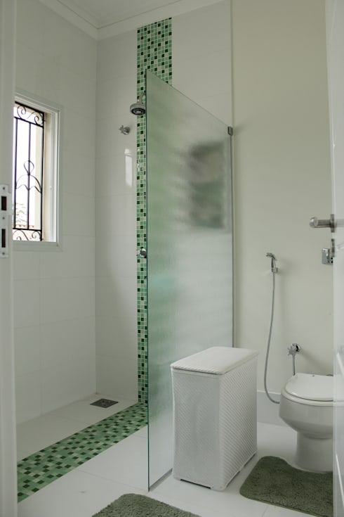 Bathroom by canatelli arquitetura e design