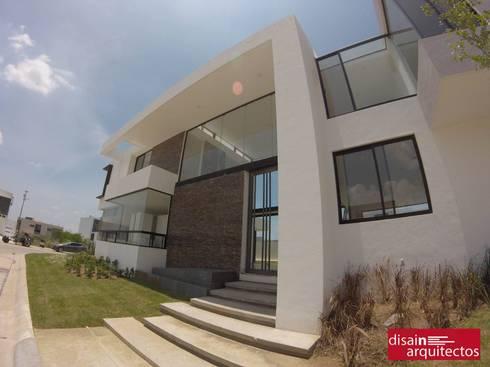 Casa Veski: Casas de estilo moderno por disain arquitectos