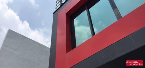 Oficinas disain:  de estilo  por disain arquitectos