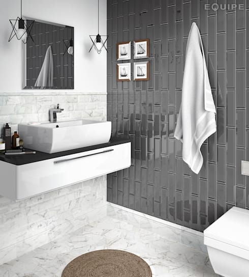 Metro Dark Grey 7,5x30: Baños de estilo moderno de Equipe Ceramicas