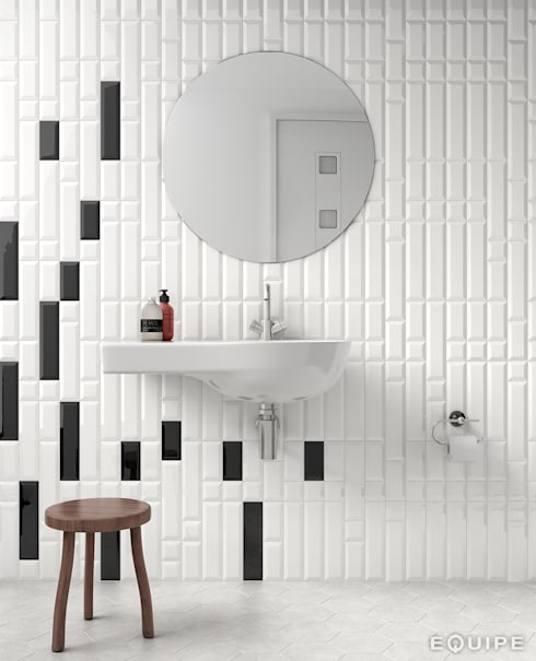 Metro White 7,5x30 / 7,5x15 / 7,5x7,5. Metro Black 7,5x30 / 7,5x15.: Baños de estilo moderno de Equipe Ceramicas