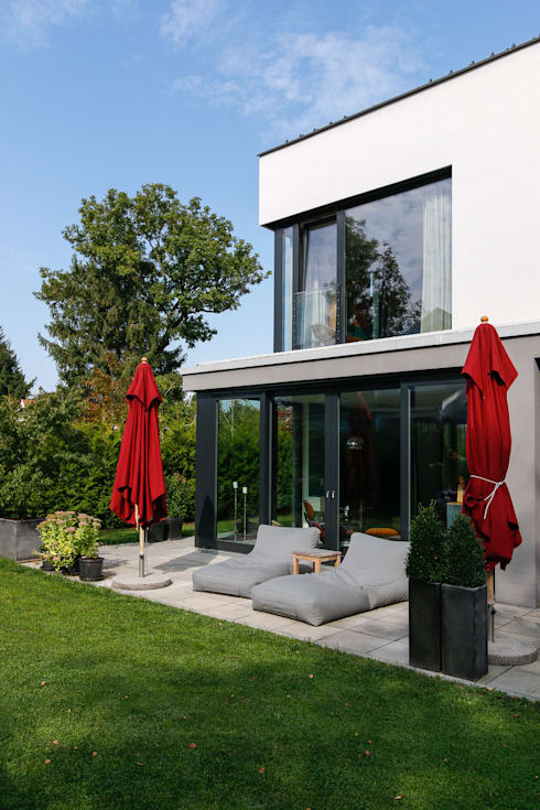 Rumah by WSM ARCHITEKTEN