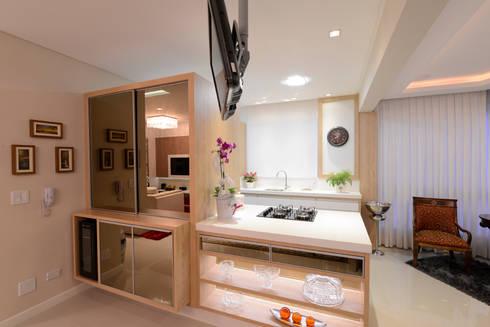 Ambiente cozinha : Cozinhas clássicas por Rosé Indoor Design