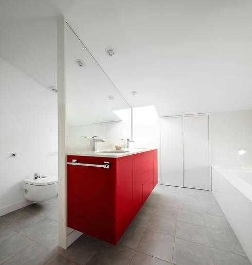 Casas de banho  por Vallribera Arquitectes