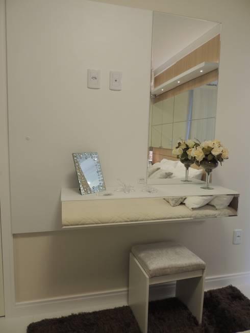 Aparador para quarto : Quarto  por Rosé Indoor Design