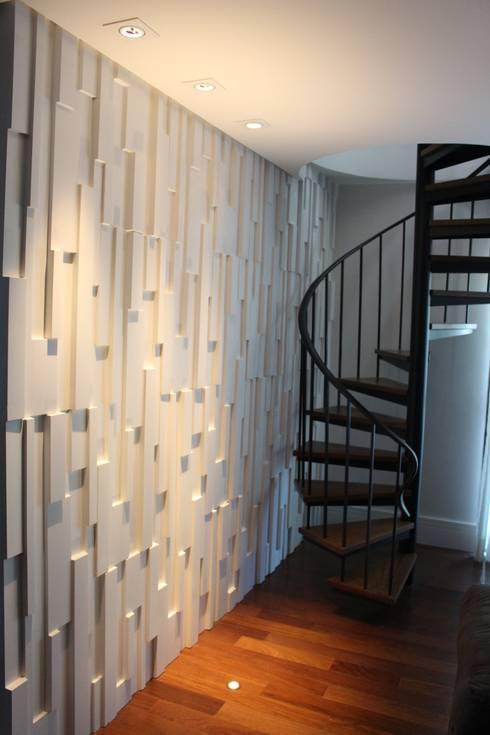 Salas / recibidores de estilo moderno por Concept Engenharia + Design