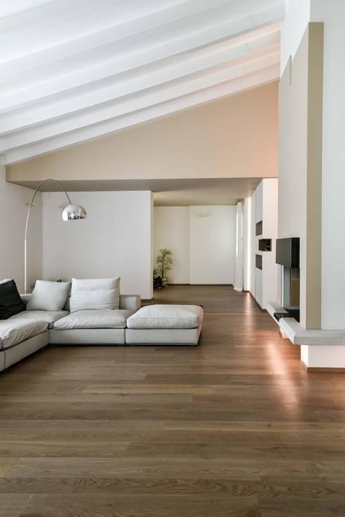 غرفة المعيشة تنفيذ Claude Petarlin