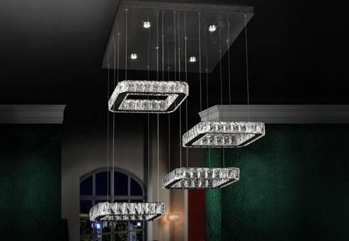 Candeeiros de teto Ceiling lamps www.intense-mobiliario.com  AVID http://intense-mobiliario.com/pt/suspencao-teto/11289-candeeiro-de-teto-avid-iv.html: Casa  por Intense mobiliário e interiores;