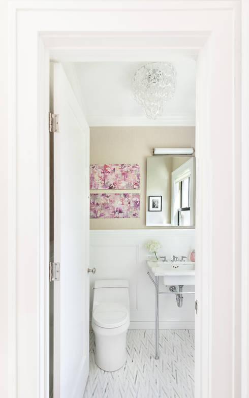 Bathrooms: modern Bathroom by Clean Design