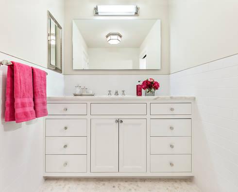 Hall Bath: modern Bathroom by Clean Design