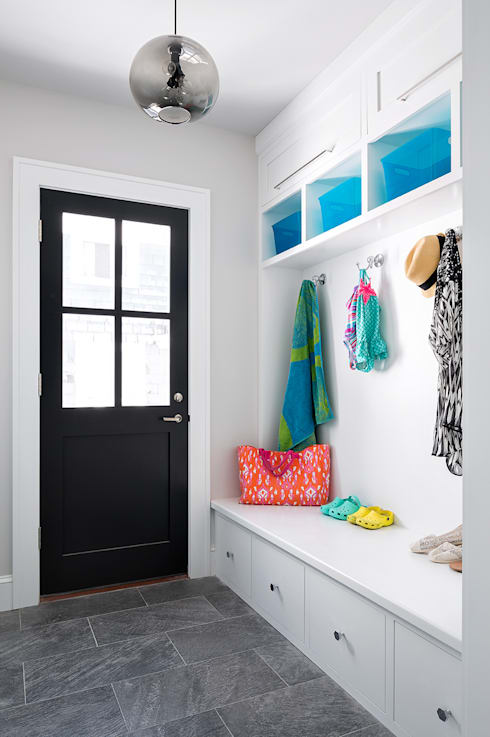 Mudroom:  Corridor & hallway by Clean Design