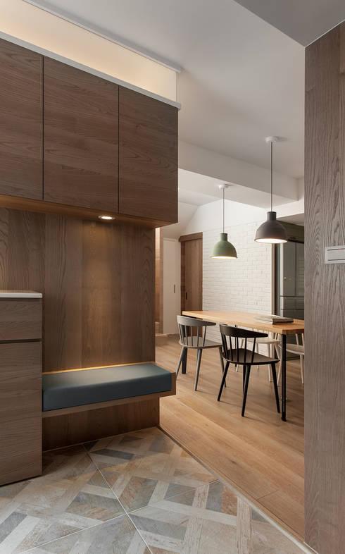 الممر والمدخل تنفيذ 禾光室內裝修設計 ─ Her Guang Design