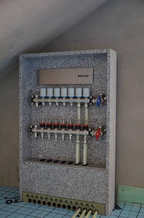 (7) customized manifolds & cabinets: Escritórios e Espaços de trabalho  por Dynamic444