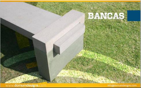 Bancas: Jardín de estilo  por Domum