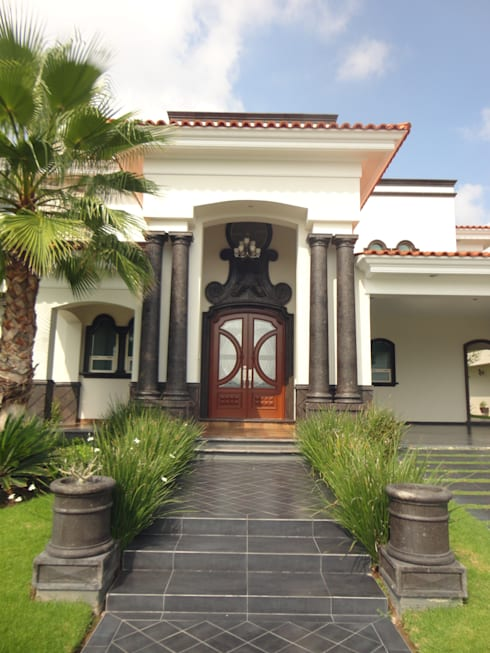 ingreso: Casas de estilo clásico por arketipo-taller de arquitectura