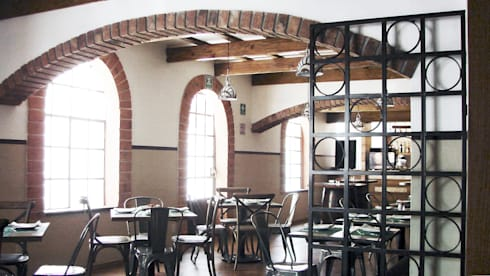 COMENSALES 01: Restaurantes de estilo  por Labinterfases