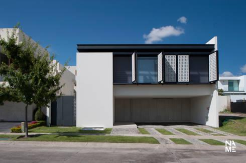 CASA AZ: Casas de estilo moderno por NAME Arquitectos