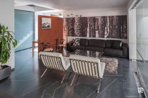 SALA: Salas de estilo moderno por NAME Arquitectos