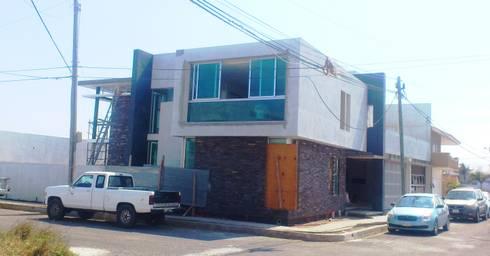 CASA BALLENA: Casas de estilo minimalista por DISEÑO APLICADO AVANZADO DE GUADALAJARA 2