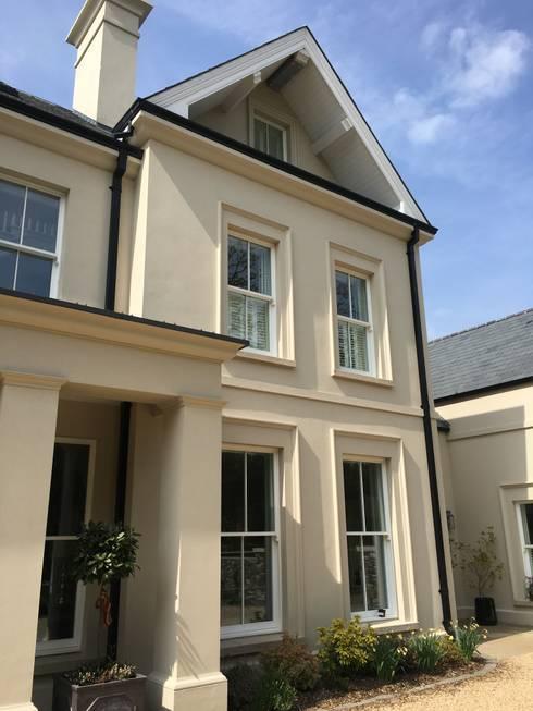 klasieke Huizen door Des Ewing Residential Architects