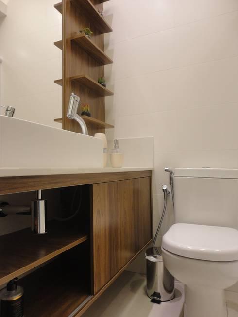 Banheiro social: Banheiros modernos por Maria Helena Torres Arquitetura e Design