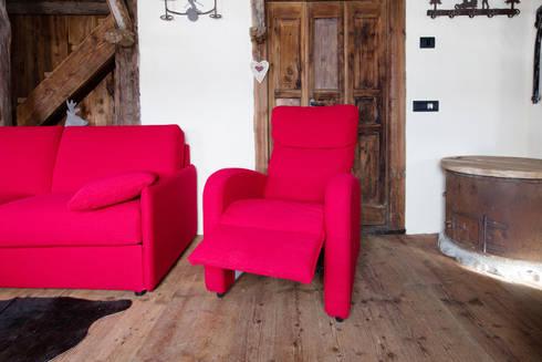 Realizzazione su misura divani per case di montagna di - Divani montagna ...