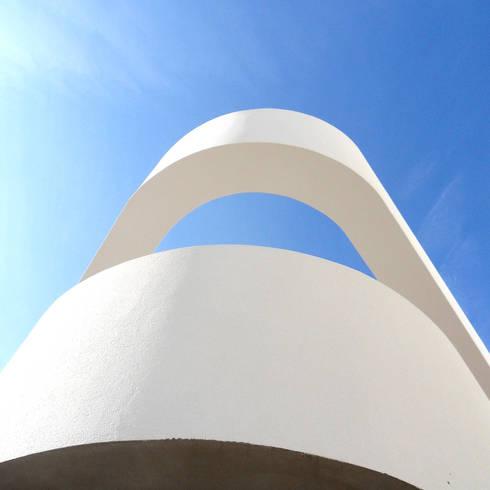 Casa PV:   por Luís Duarte Pacheco - Arquitecto