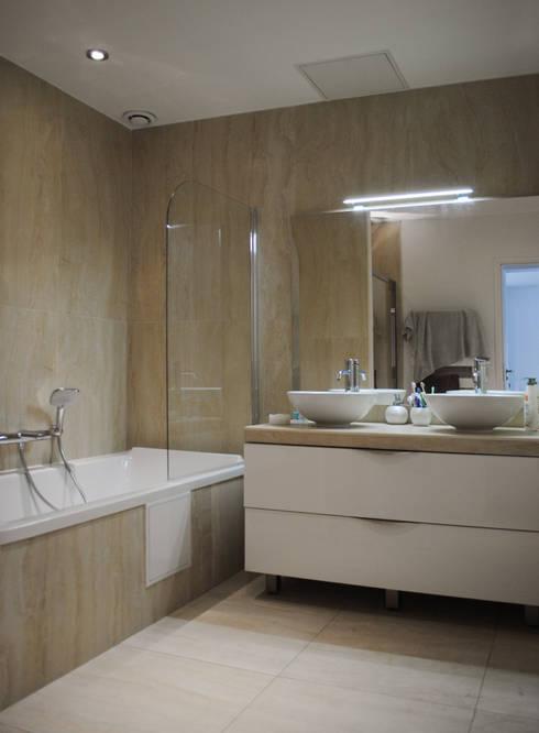 Maison Chatenay-Malabry: Salle de bains de style  par Daniel architectes